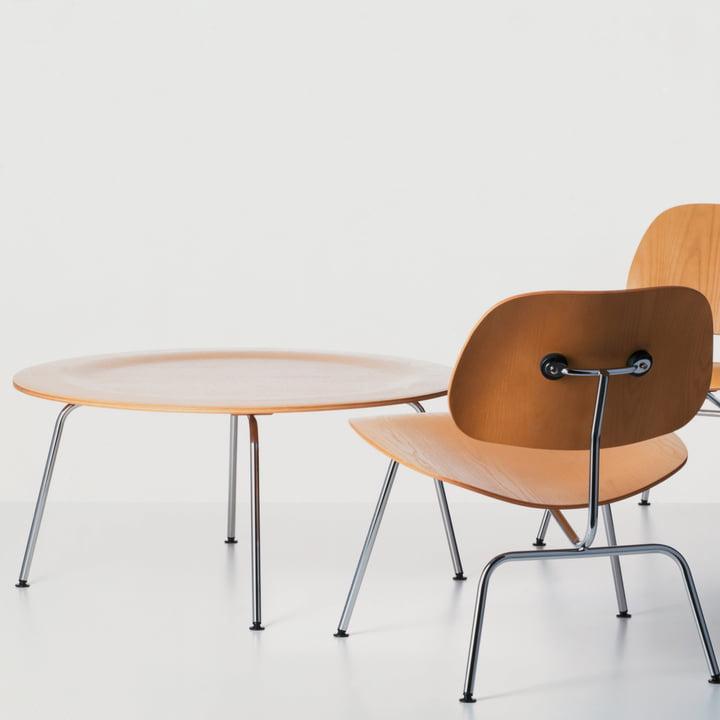 Die Vitra - Plywood Group mit Tisch und Stuhl