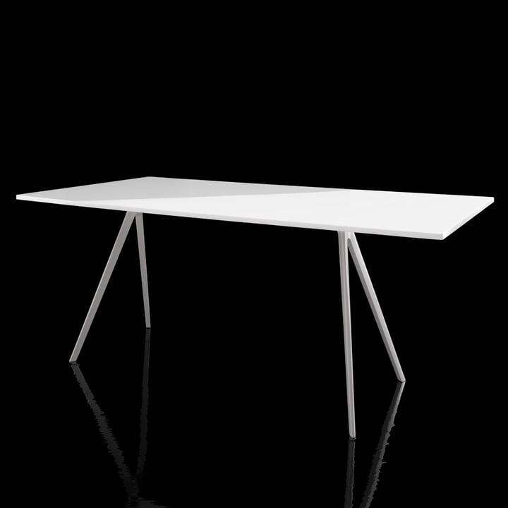 Magis - Baguette Tisch - weiß - schwarzer Hintergrund