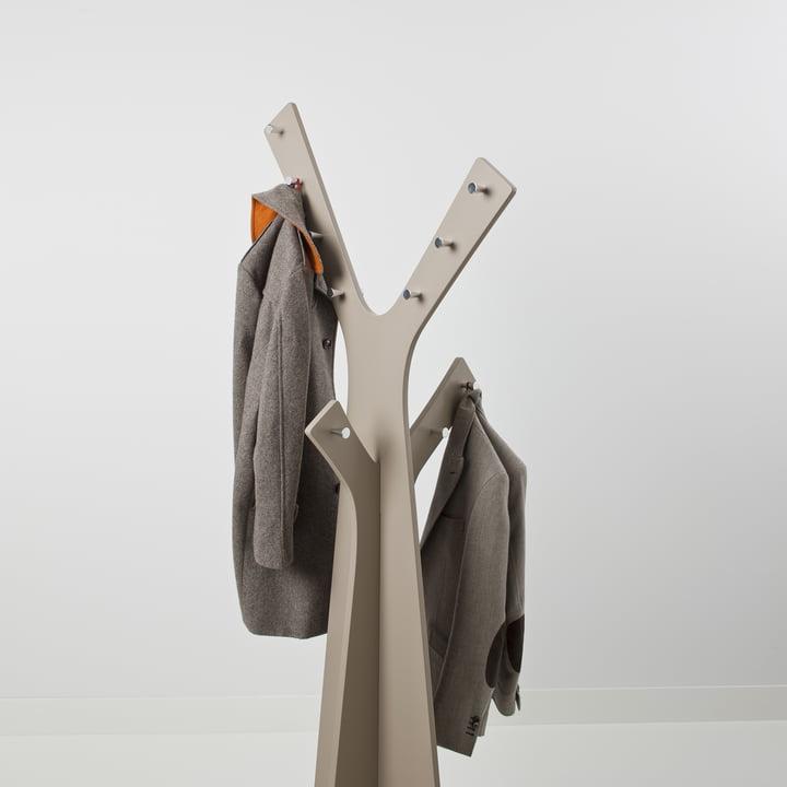 Cascando - Tree Standgardrobe, grau - mit Jacken