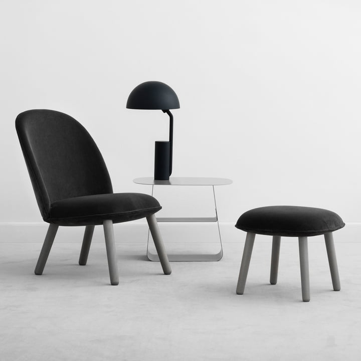 Ace Lounge Chair und Hocker Velour mit Cap Leuchte von Normann Copenhagen