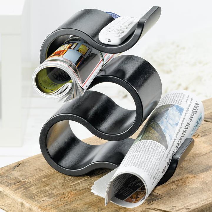 Flaschenregal als Zeitungshalter