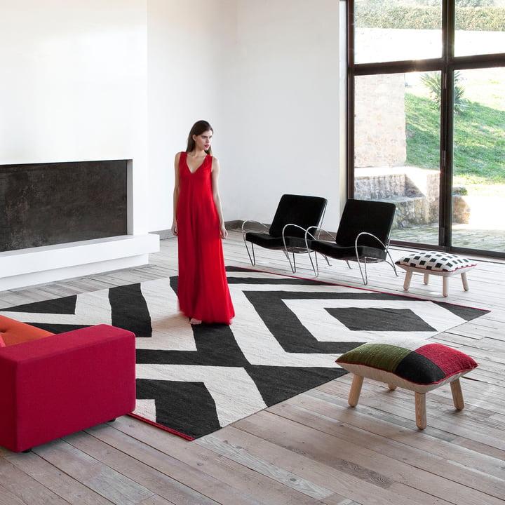 Mélange Teppich und Pouf von nanimarquina