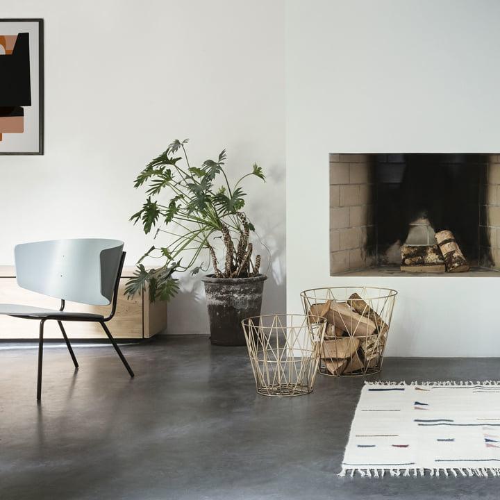 Wire Basket und Herman Lounge Chair