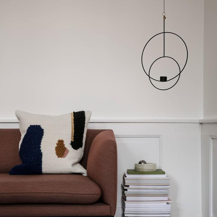 Runder Teelichthalter mit Loop Kissen von ferm Living