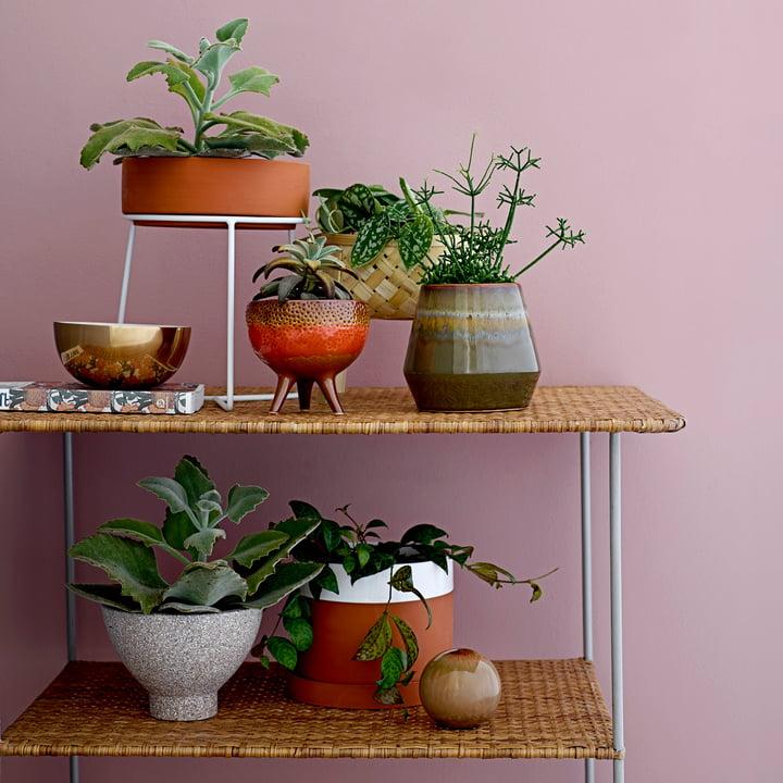 Pflanzenständer und Terrakotta Blumentopf von Bloomingville