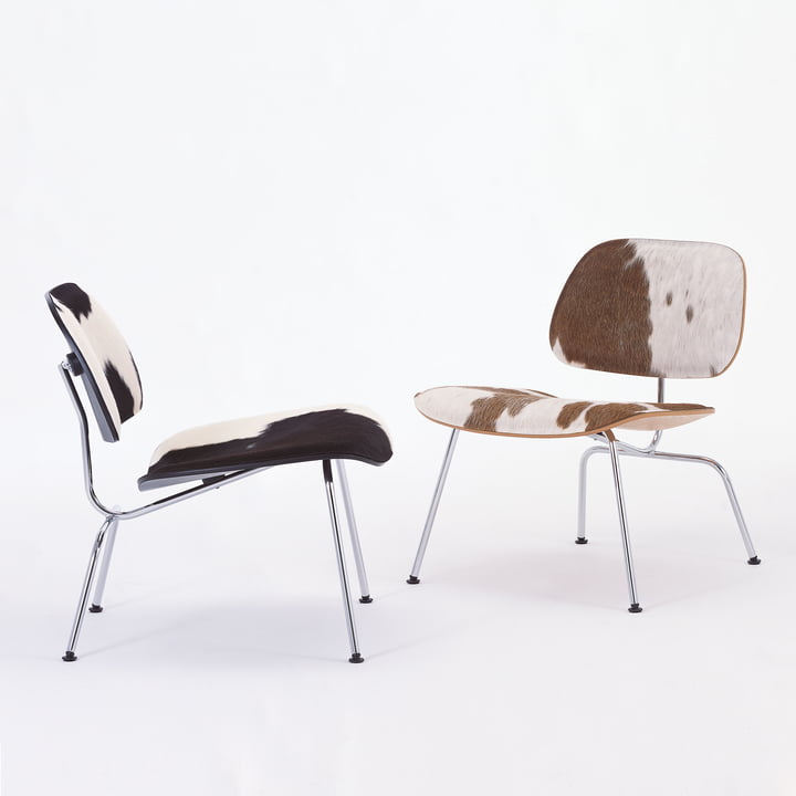 Der Vitra - Plywood Group LCM Sessel mit Kuhfell